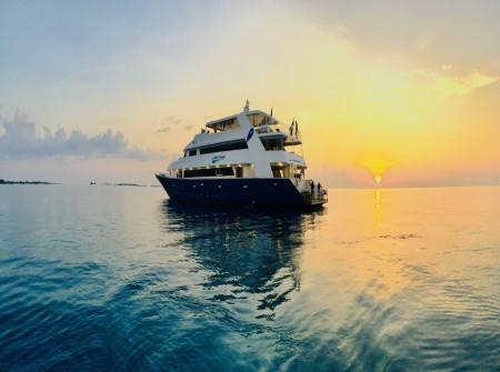 blue Voyager sunset image in the Maldives