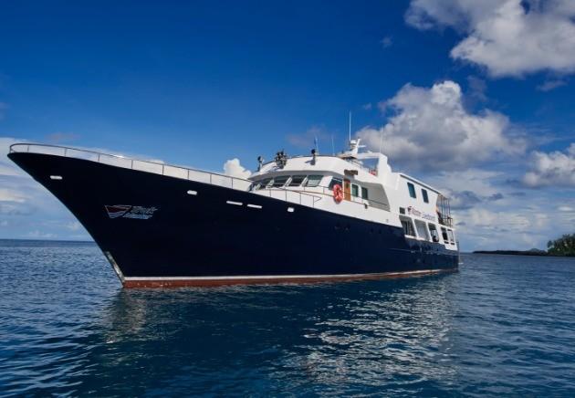 Truk Master sailing Bikini Atoll, Micronesia