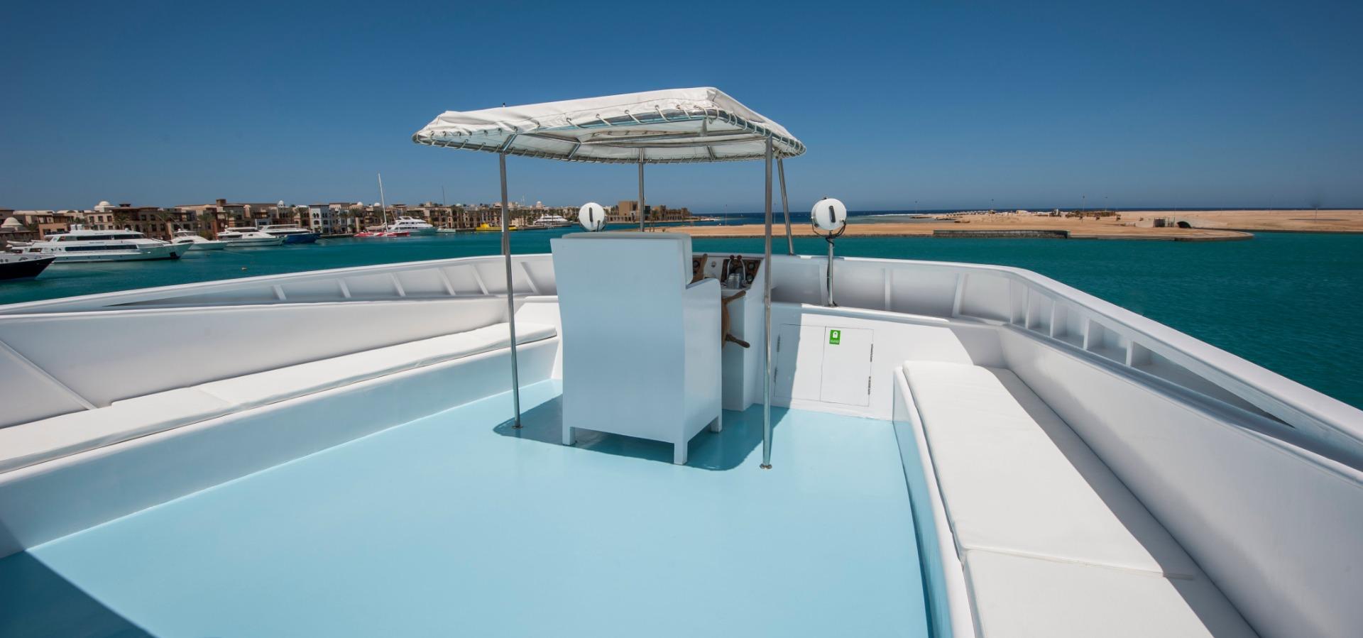 M/Y Red Sea Adventurer liveaboard diving vessel sundeck