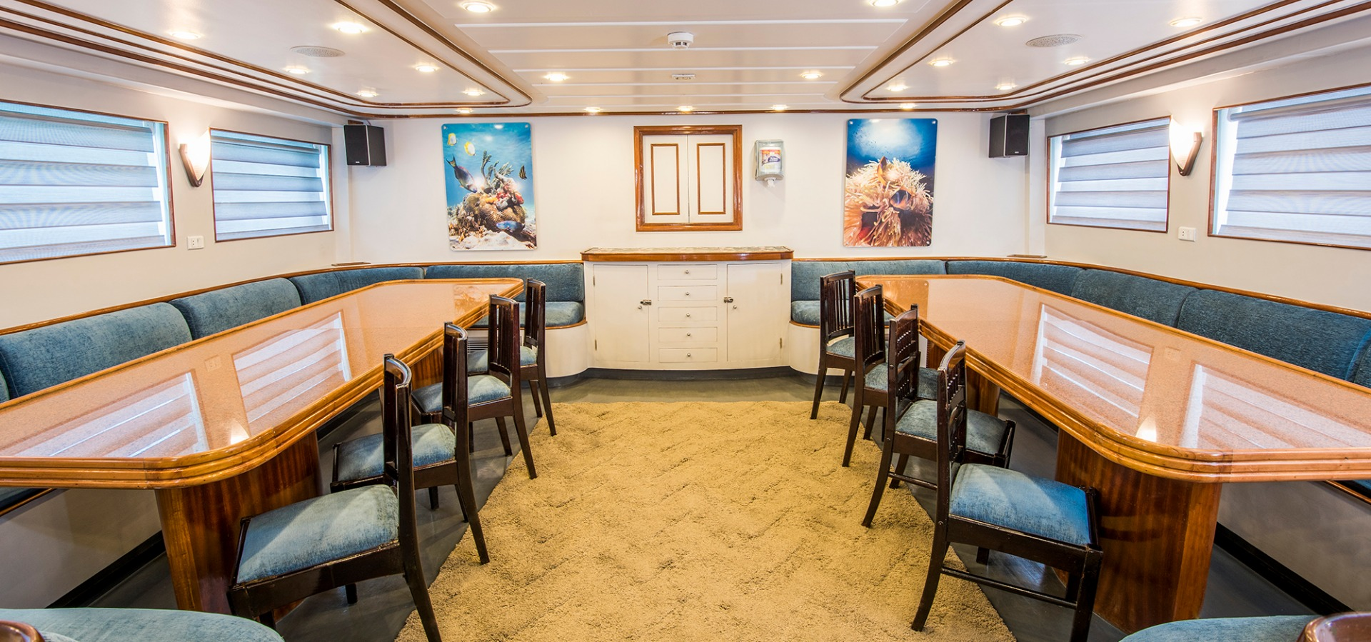 M/Y Red Sea Adventurer dining area