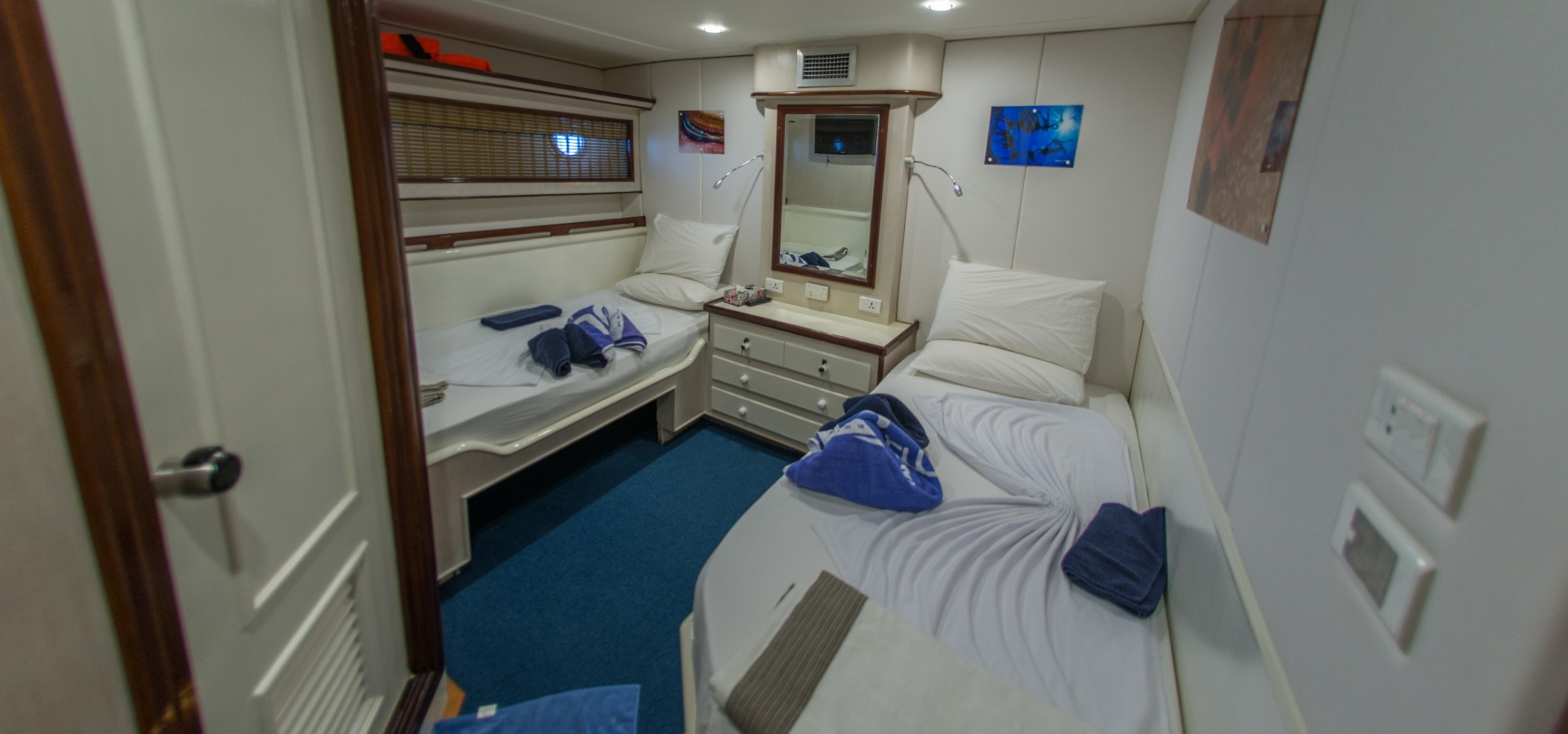 Twin room, blue Voyager, Maldives
