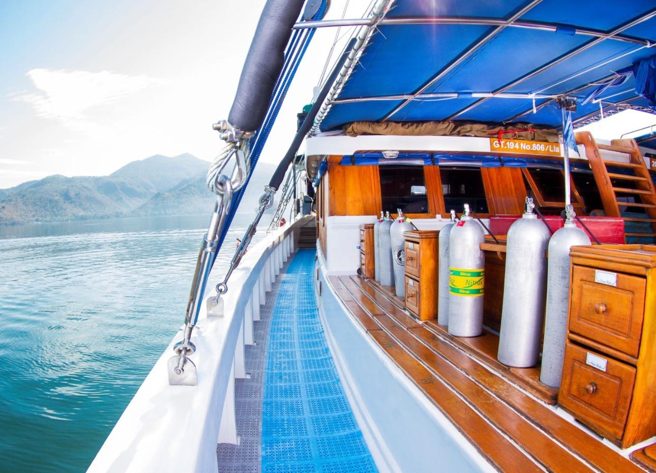 Indo Siren Dive Deck