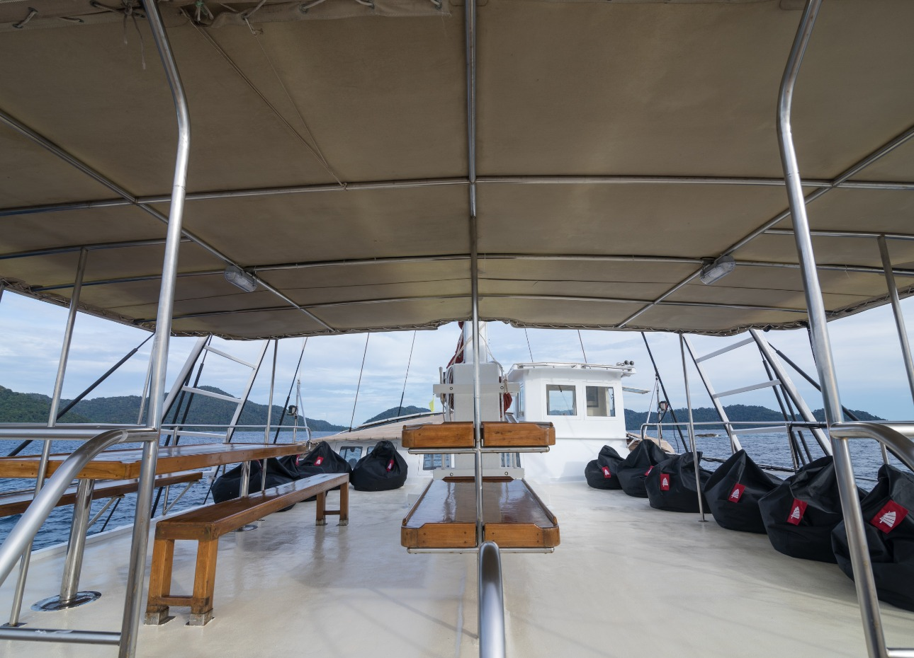 S/Y The Phinisi Sun Deck